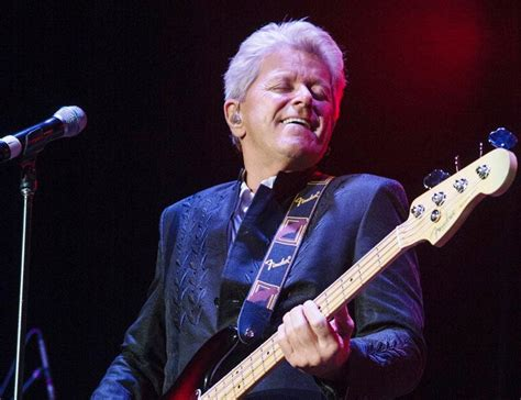 Chicago bassist, solo artist Peter Cetera brings hits to