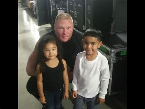 Brock Lesnar about to strangle the big dog : SquaredCircle