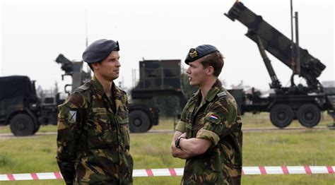 'Bang, Bang!' Ammo-starved Dutch soldiers 'forced to