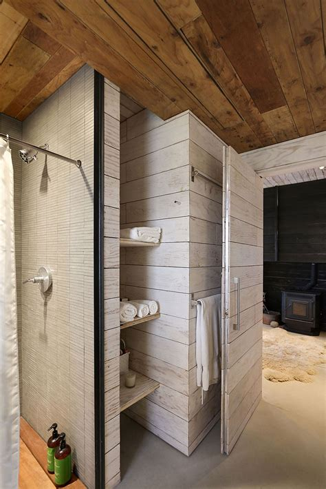 Custom 510 Cabin Celebrates Expansive Views and Exclusive