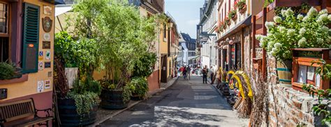 A Day in Ruedesheim - Living in Another Language