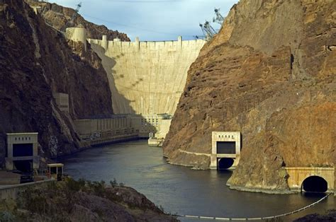 Famous Dams in America - A Knowledge Archive