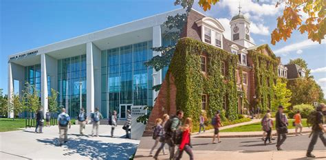 Book your campus tour at UNB   UNB