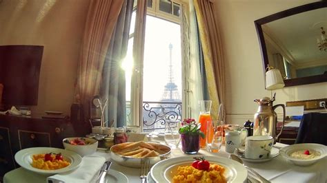 Breakfast with a view of the Eiffel Tower at the Shangri