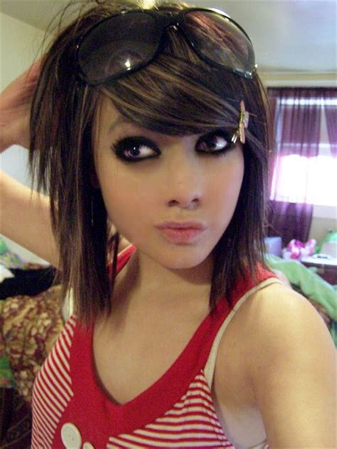 13 Cute Emo Hairstyles for Girls: Being Different is Good