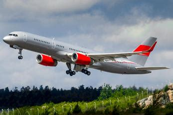 Boeing 757-200 Photos | Airplane-Pictures