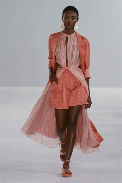 Spotted on the runway: Colour of the year 2019, Living Coral